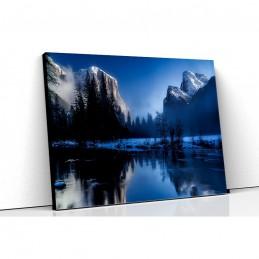 Tablou canvas lac si munte...